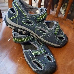 NWOT Route 66 Sandals boys size 6